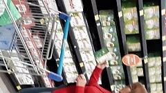 Rica madura en el supermercado's Thumb