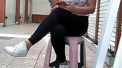 sexy chica sentada