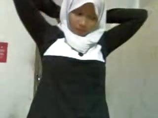 malay- awek tudung hijab pprt part 2