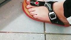 Candid girl feet and faceshot nice footjob feet