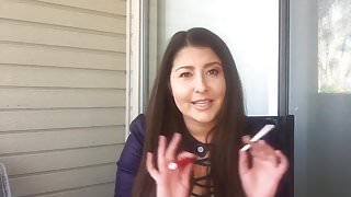 Smoking bitch aus amerika in Facebook