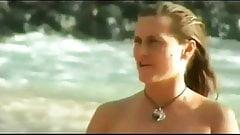 VOYEUR ON THE BEACH sexy babes on the sun