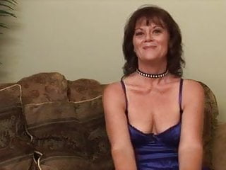 Horny auntie with sagging tits - Nice sagging tits on her