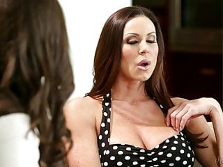 Hot Mommy Kendra Lust and Casey Calvert