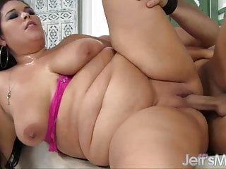 Oversized Aire Fresco gets a thick cock slammed into her