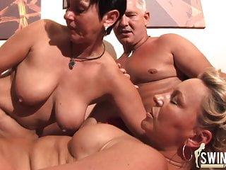Download video bokep Zwei Frauen wollen meinen Saft Mp4 terbaru