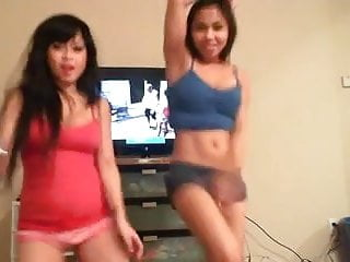 2 Hot Asian Girls Dancing