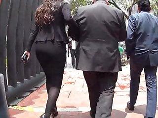 Download video bokep Ejecutiva de negro Mp4 terbaru