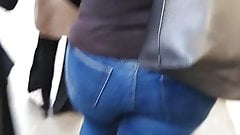Pawg Blue Jeans London tourist (Candid) 's Thumb