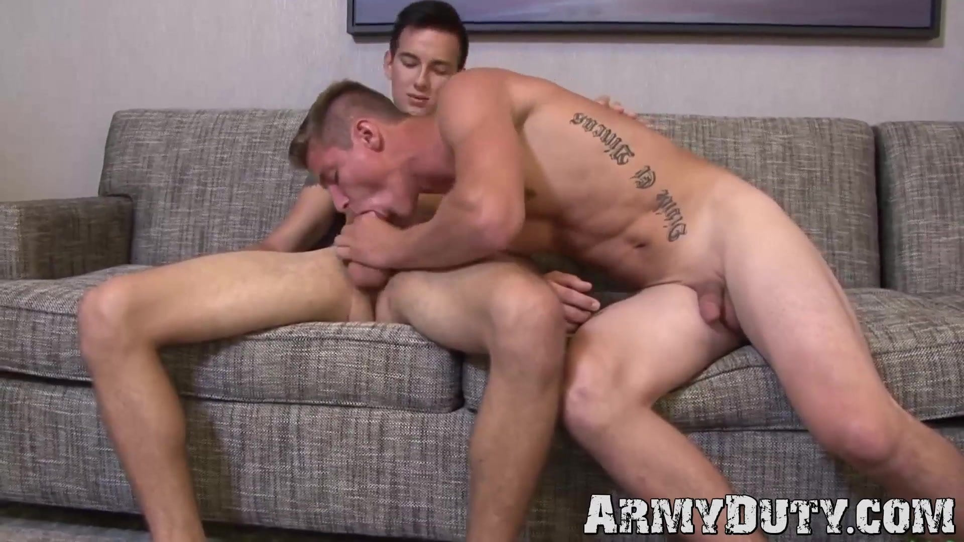 Younger tattooed soldier uncooked doggystyle fucks military buddy