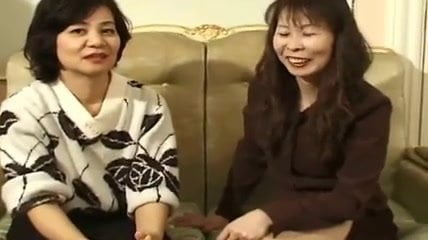 Japanese Grannies: Japanese Henti Porn Video b6