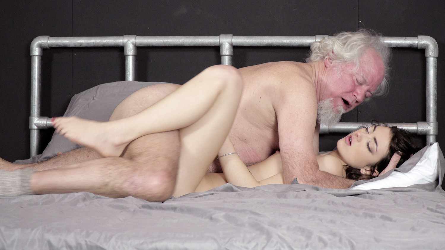 Grandpa Fucks A Beautiful Young Teen Pussy Oral Creampie-2006
