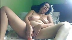 Mature Pinay with big dildo