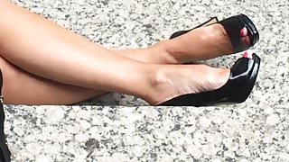 candid woman sexy legs and heels please make me cum