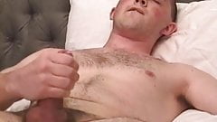 Amateur dude filmed while jerking off homemade style