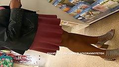 I Upskirt Ebony Mature Cougar In Short Short Skirt