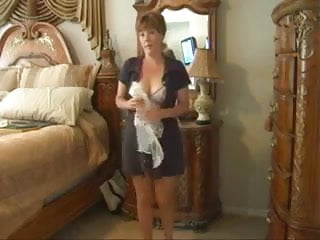 Sexy Milf Strip & Play 2