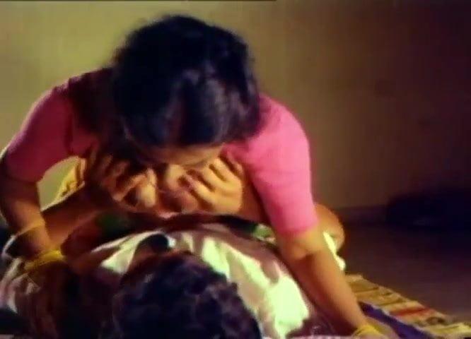 Omanikkan Oru Sisiram Full Movie Mallu B-Grade Softcore-1462