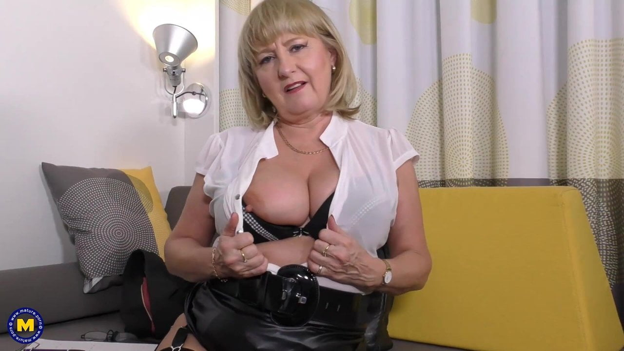 Free download & watch solid mature mom with brilliant tits and pussy          porn movies