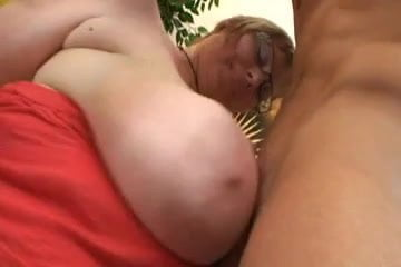 Busty Fat Mom Masturabting and Fucking