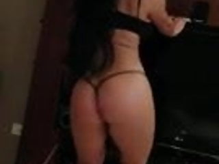Very sexy dancer shows her talent