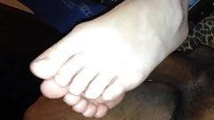 Natural Toes Footjob
