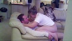 Esposa dando para o amigo do marido depois da bebedeira