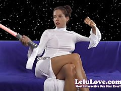 Amateur Princess Leia cosplay vibrator masturbation orgasm