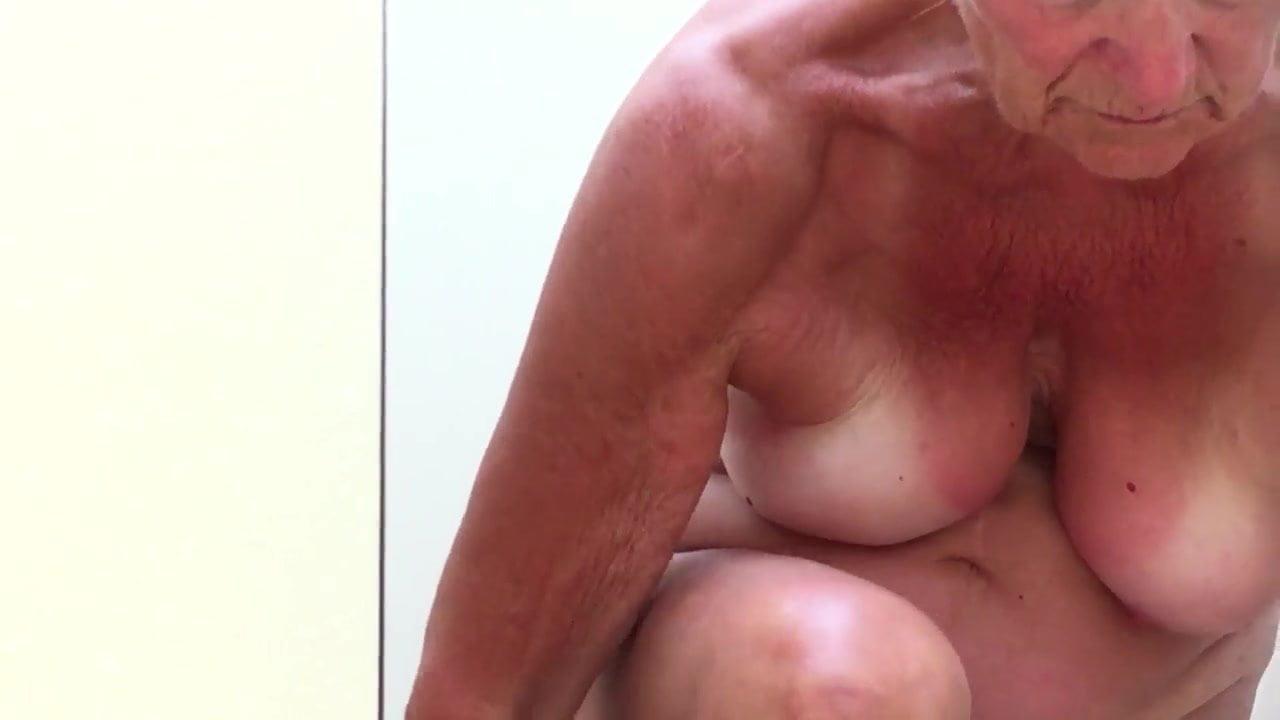 Grosse mamie lesbienne-7022