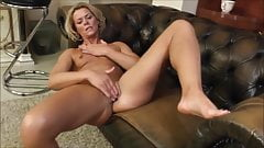 Mature Blondie Rubbing Her Asshole And Pussy