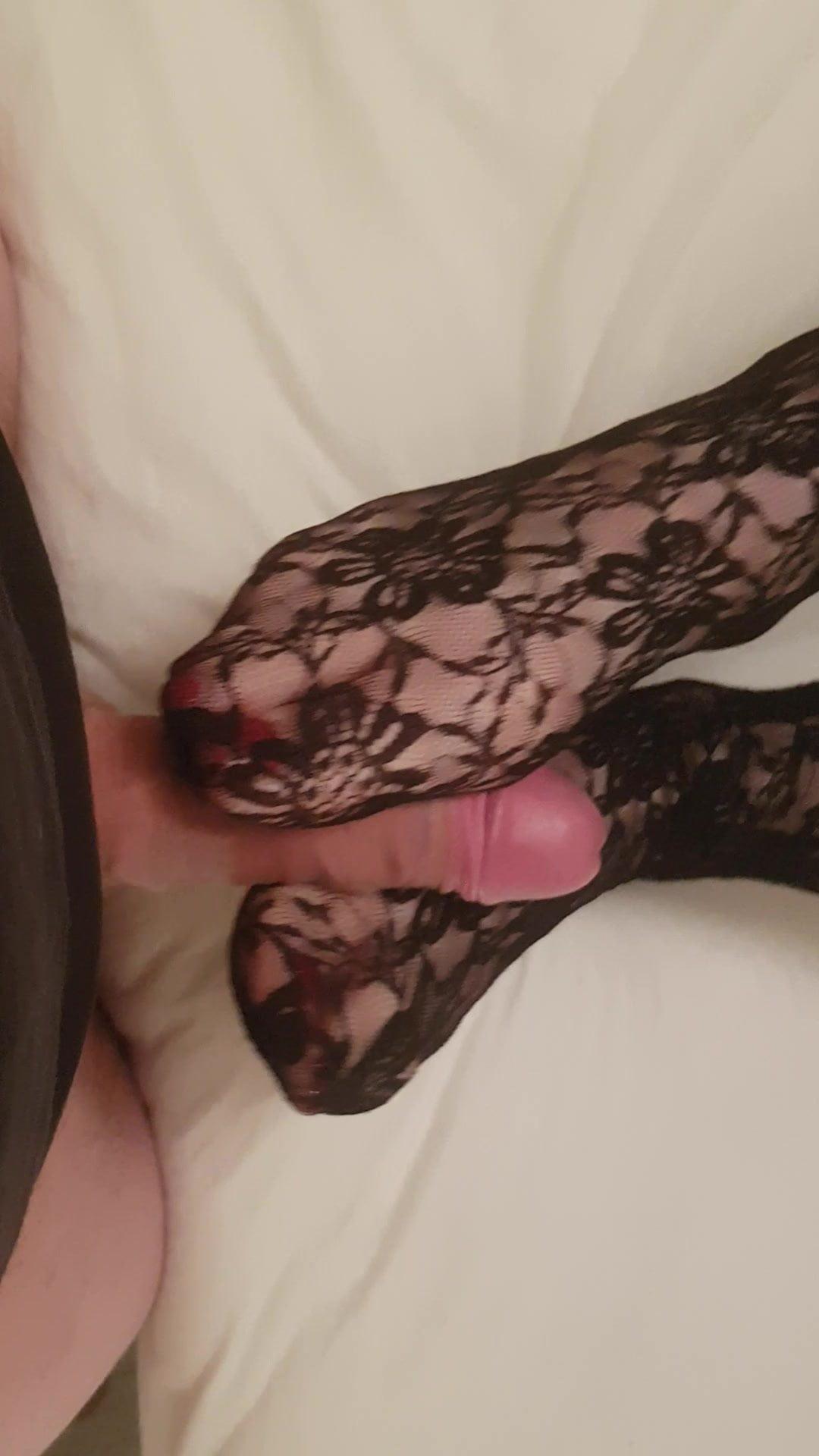 Cum on pretty nylon feet