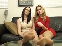 Nice 2 Girls Shows Nylon Feet