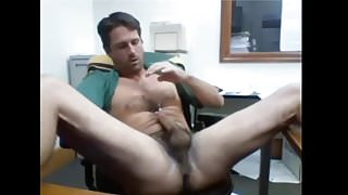 dad wanks at the office
