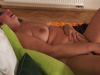 Mature mom show you everything and more