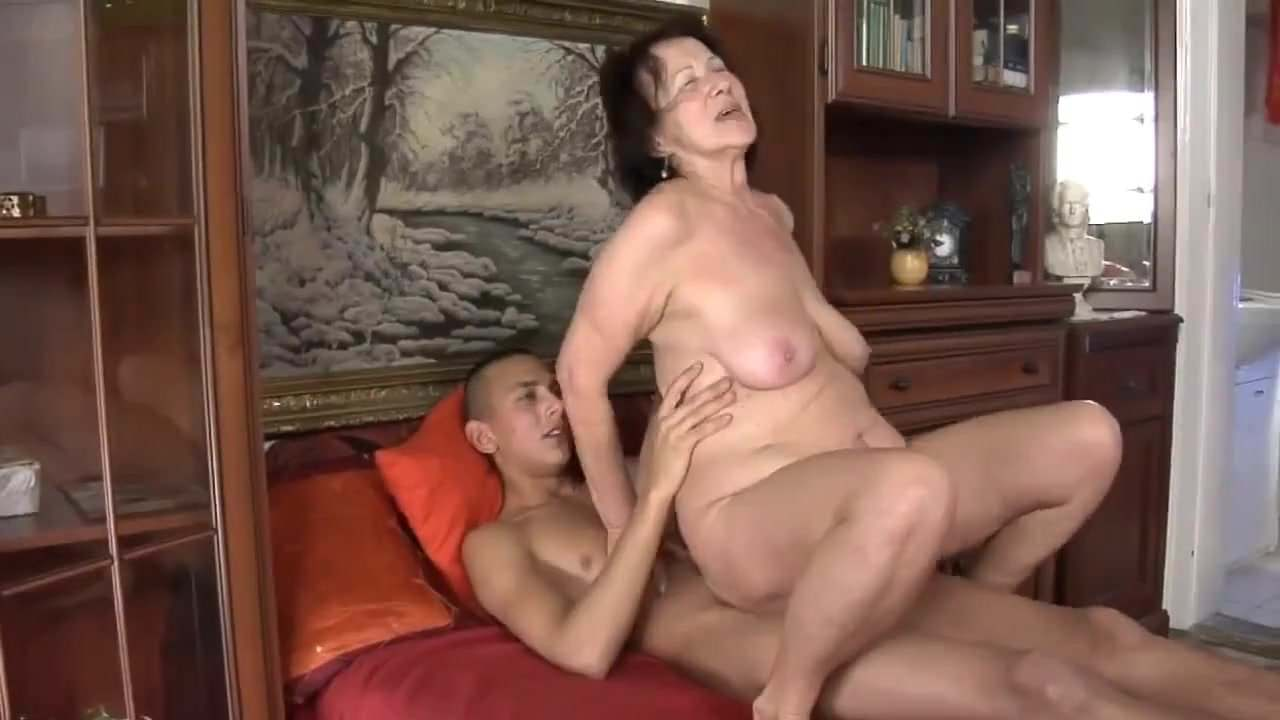 Free download & watch ugly granny with flabby body very saggy         porn movies