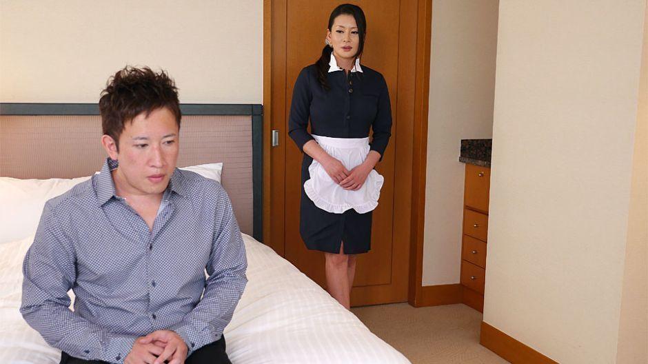 Japanese maid, Rei Kitajima is fucking a horny client, uncen