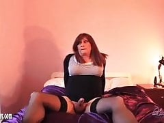 Horny redhead tranny wanks and spunks after fucking her ass