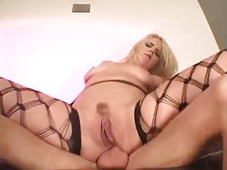 Download video bokep Blonde in heat crams her ass with cock Mp4 terbaru