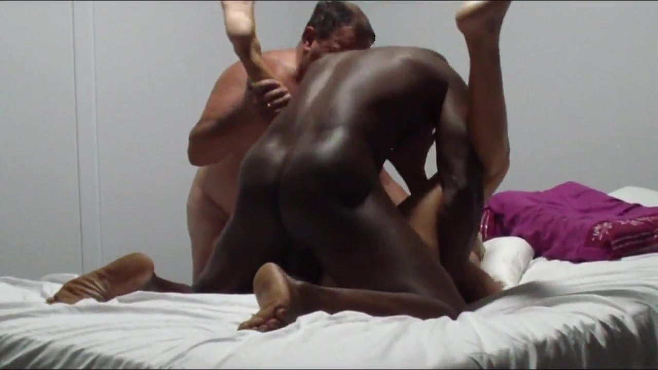 woman-with-great-body-fucks-straight-men-pornstars-sex