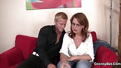 He picks up big tits boozed mature woman for play
