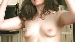 Sexy brunette with nice tits does lusty workout