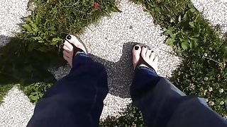 flip flops walk