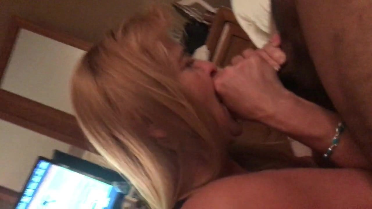 Gilf milf wife Jan blowjob hidden cam on her knees #213