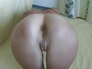 Doigtage anal d'un cul en gros plan -
