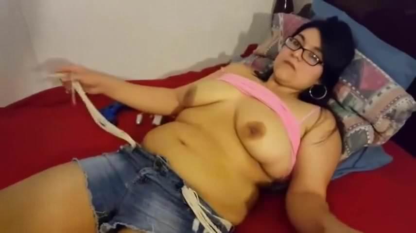 Ameature wife fucking a big dick
