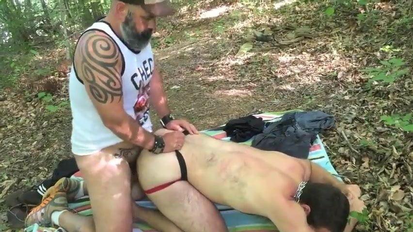fisting al aire libre gay