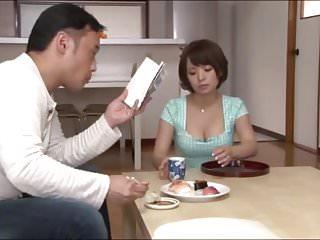 jeune femme japonaise soumise devient nympho