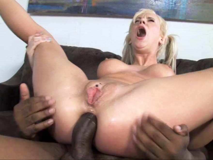 Mom tries anal