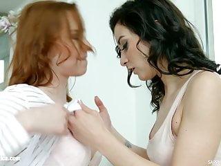 Chelsy Sun and Valentina Bianco in lesbian scene Rain check