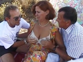 Horny Housewives-2 <c>Scene 4 Susan<d>